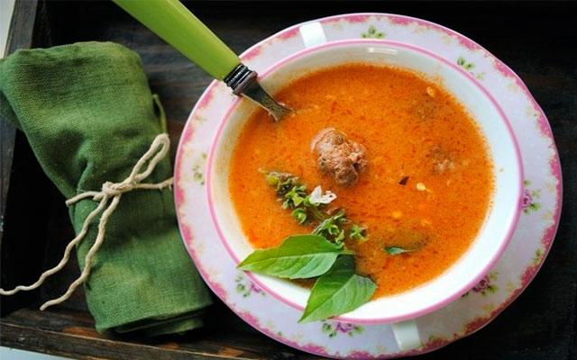 Tarhana Köfteli Çorba